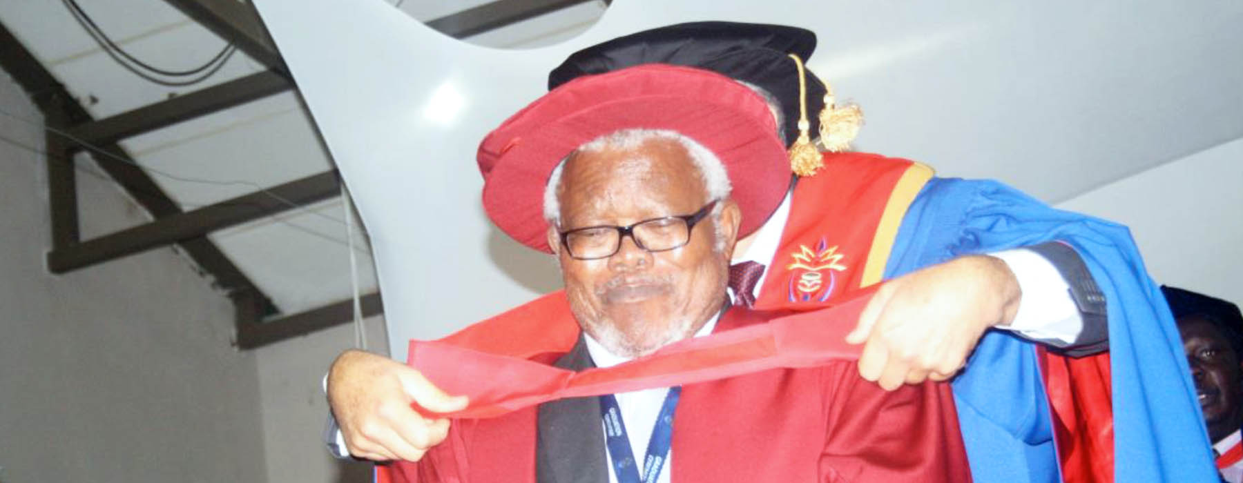 Herbert Mokadi Lentsoane receives honorary doctorate from the University of Venda