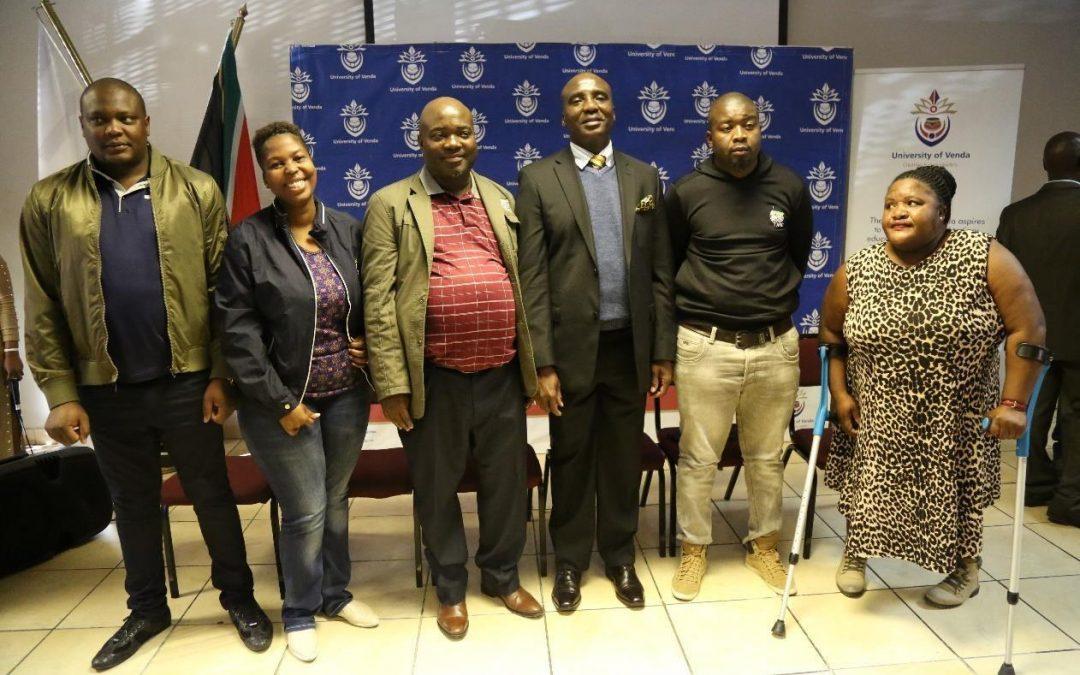 Minister Maswanganyi urges Univen alumni to give freely