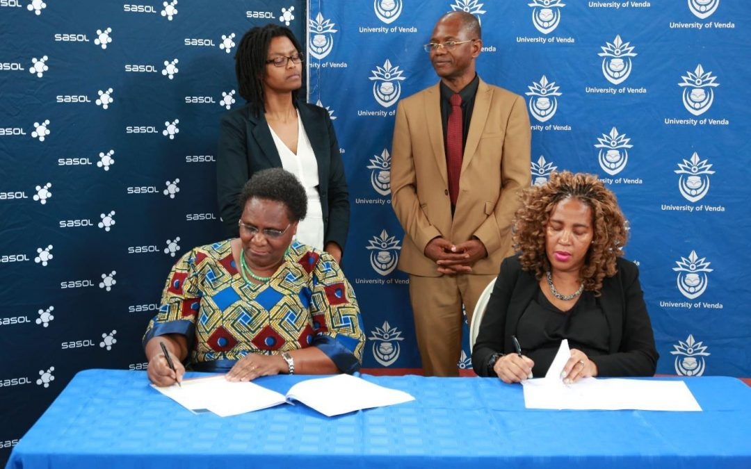 UNIVEN and Sasol Inzalo Foundation sign donation agreement to the value of R3 002 227