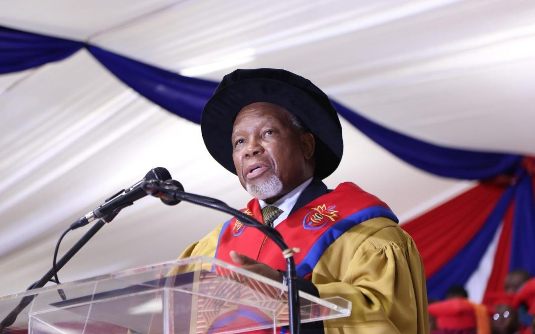 Chancellor Kgalema Motlanthe confers 27 Doctoral degrees and two honorary Doctoral degrees