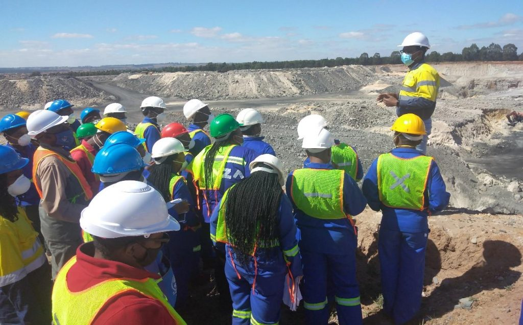 Junior coal mining company equips UNIVEN Geology students