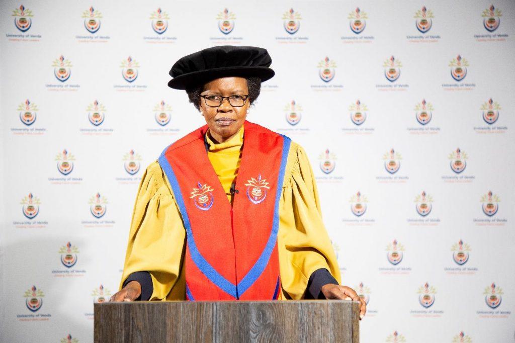 University of Venda Chancellor, Adv Gumbi honours 2600 graduates for their academic excellence
